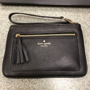 Kate spade leather wristlet. PERFECT condition.